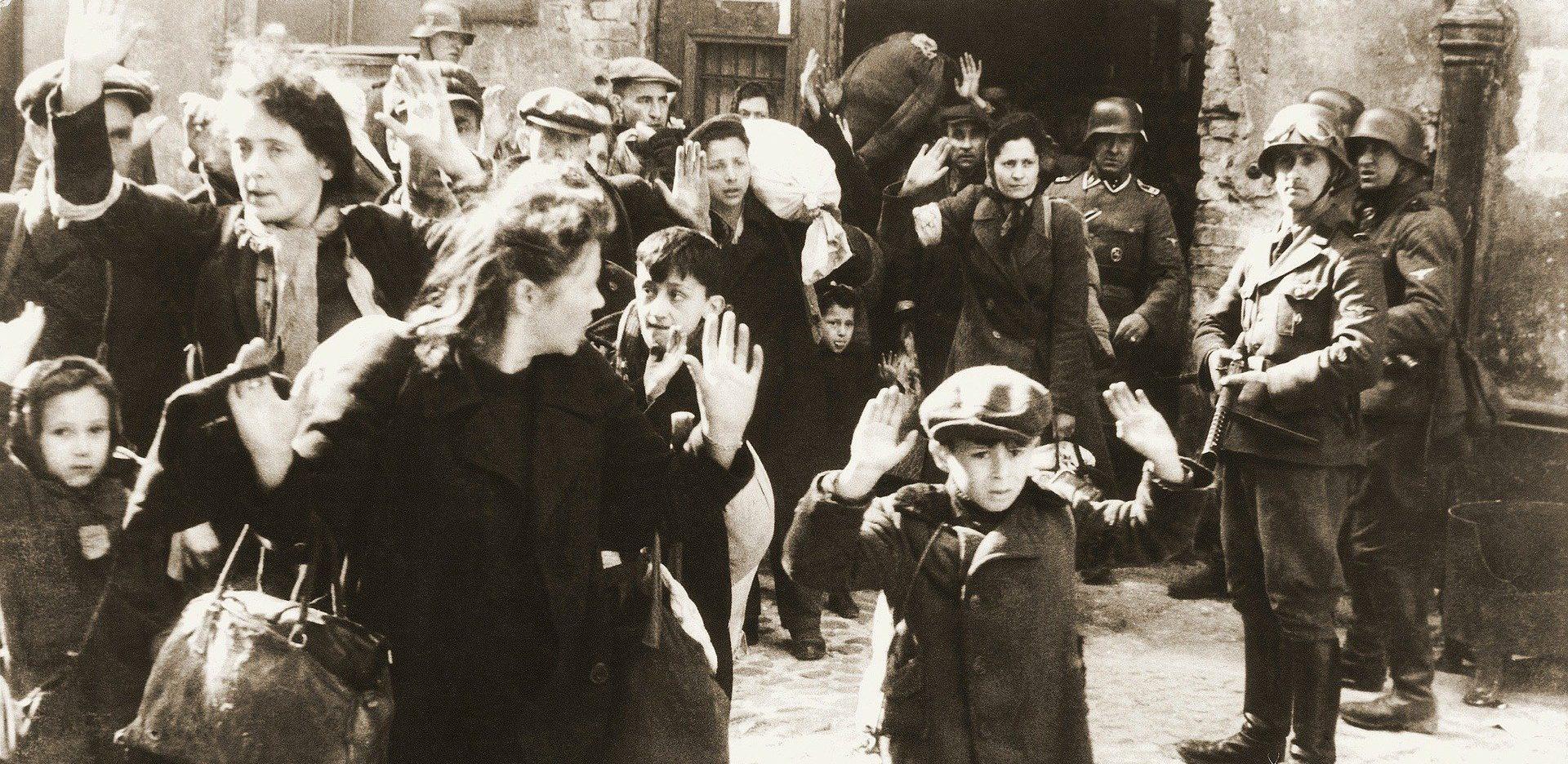 A nácigyilkos balerina, aki pisztollyal a kezében táncolt
