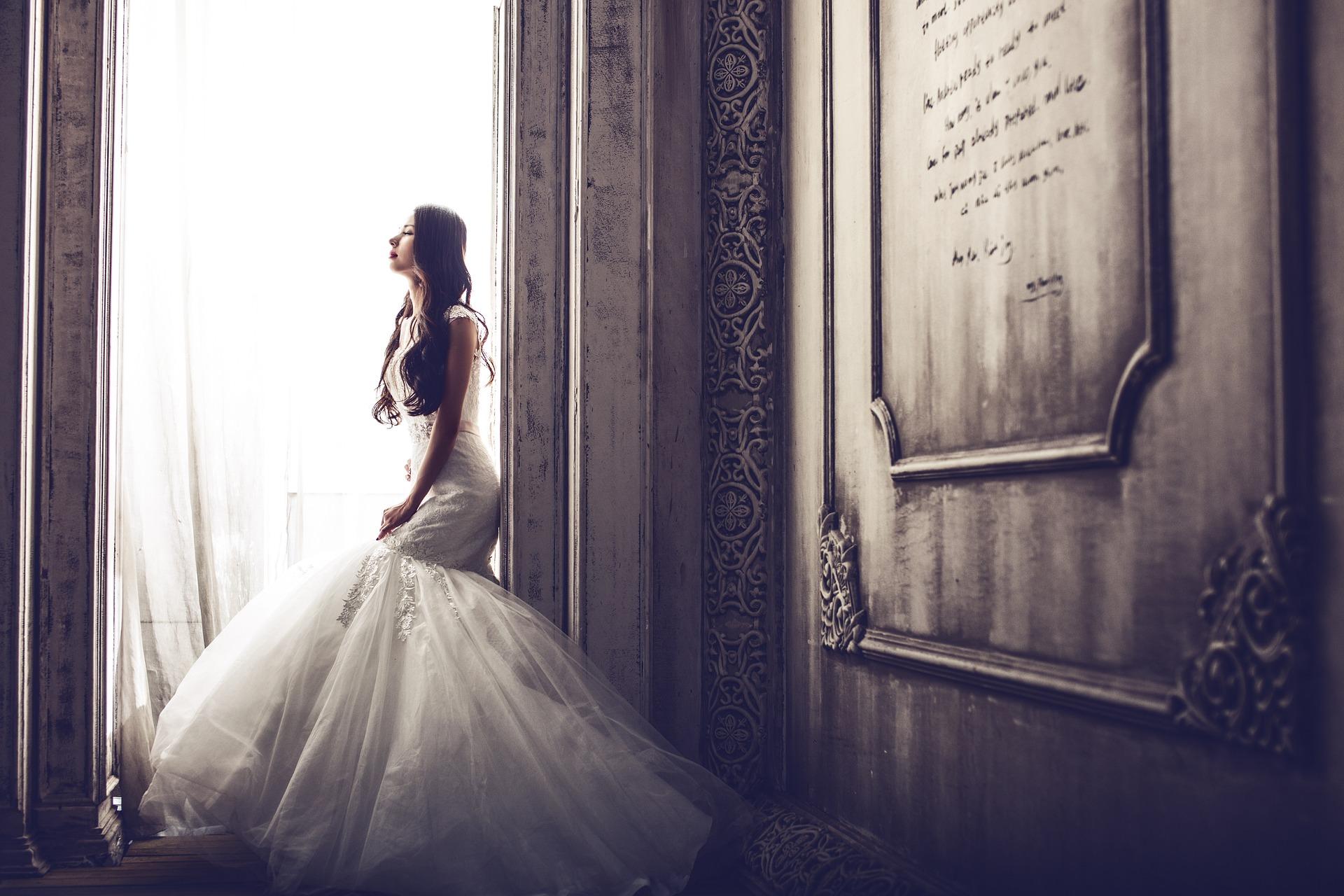 Mi lesz, ha a saját anyám szereti el a vőlegényemet?!