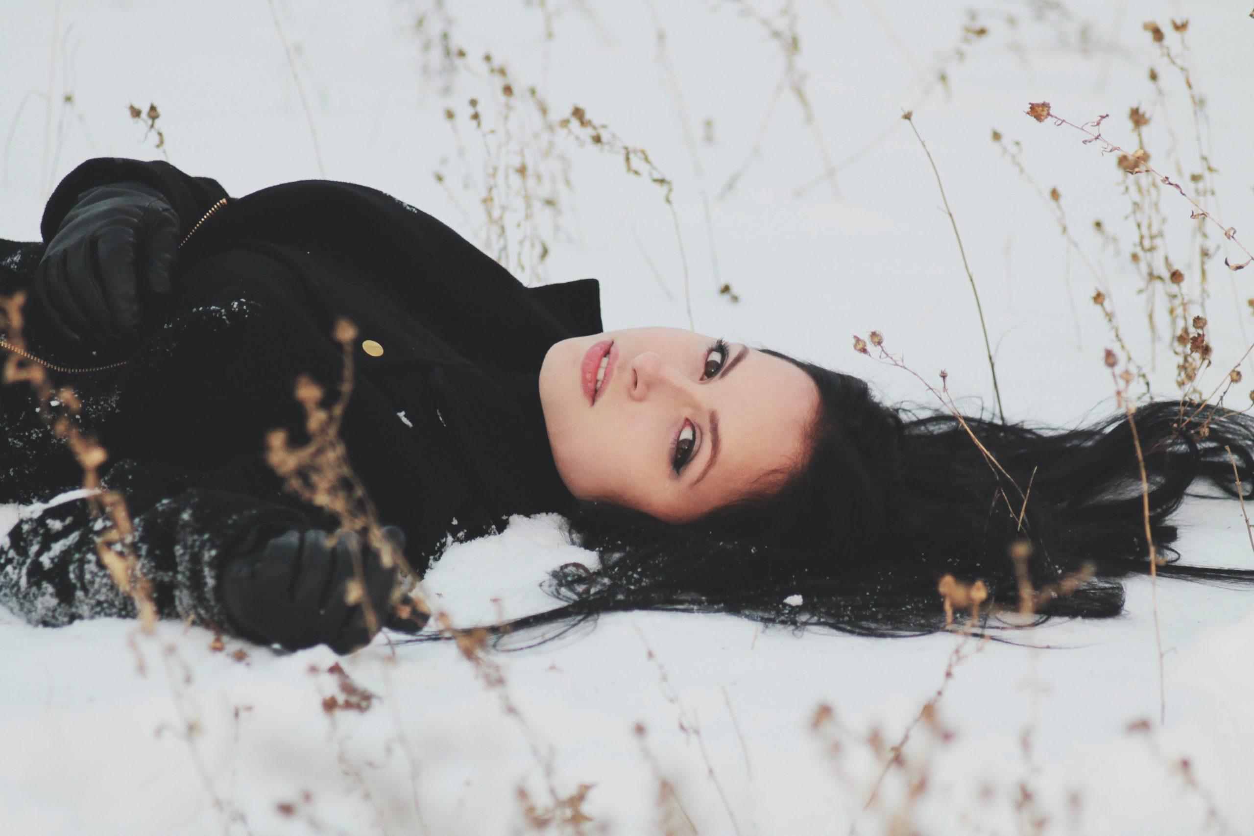 Hideg van, de a magánytól reszketek