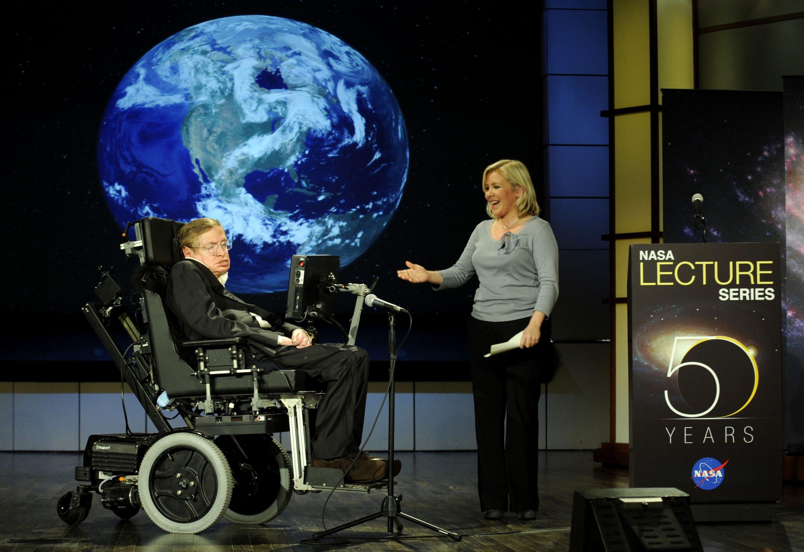 Stephen Hawking: A tudomány rocksztárja felért a csillagokig