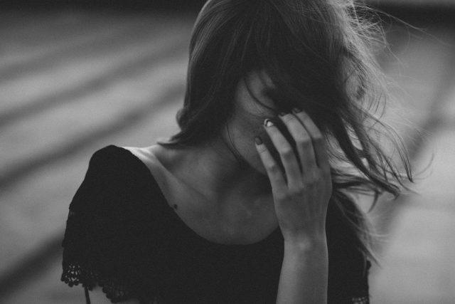 Az árulásod szilánkosra zúzta a lelkemet…