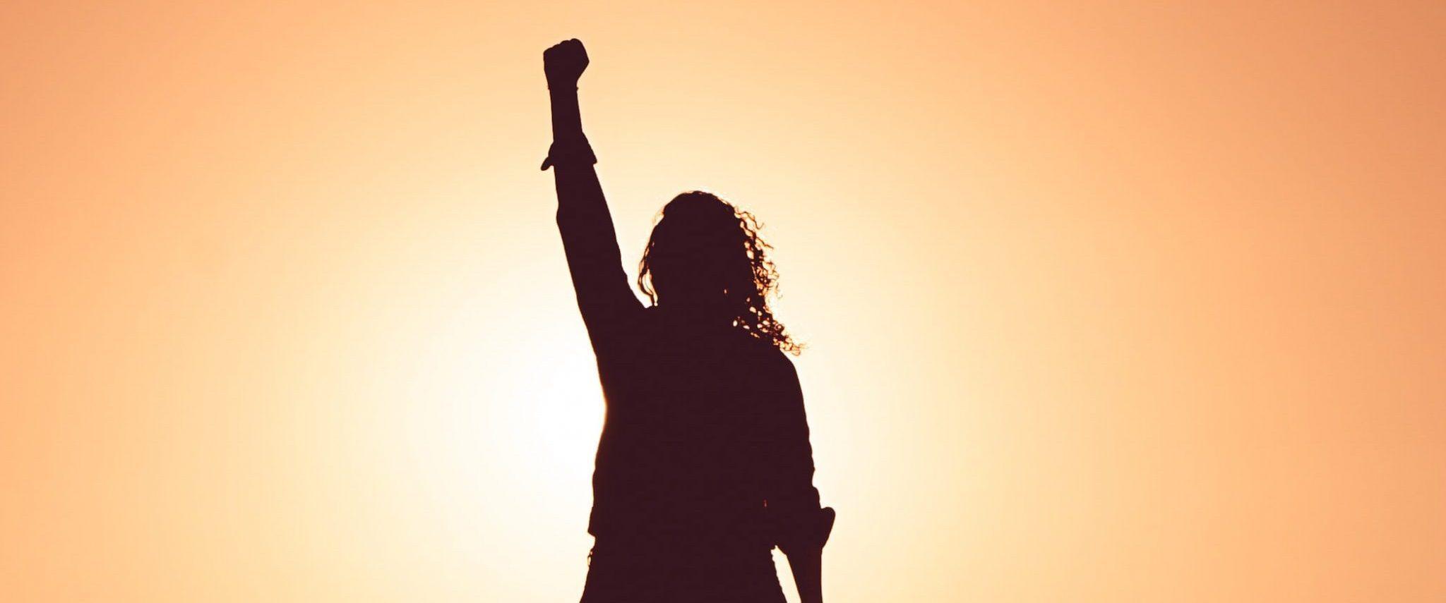 Könyvajánló: Mit bírunk a vagány női főhősökben?