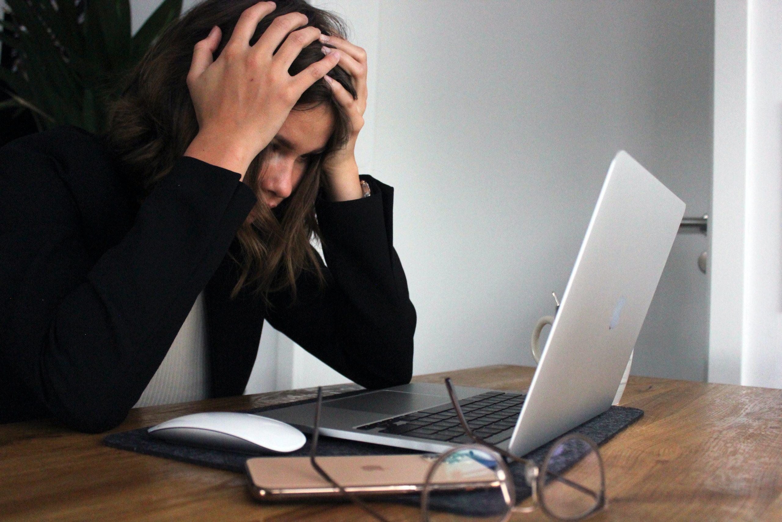 Egy mérgező munkahely káros, mint egy bántalmazó kapcsolat!