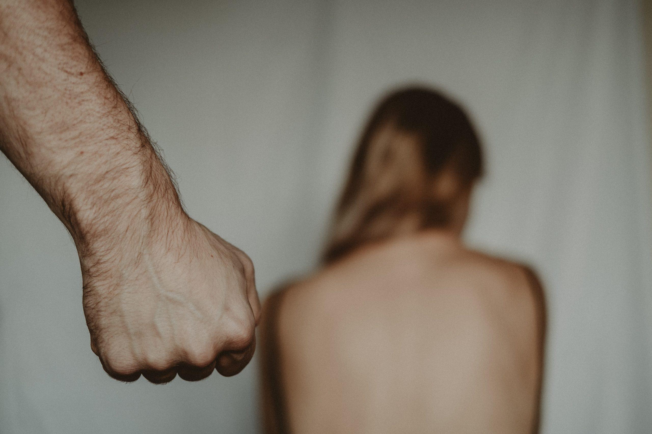 Incelek: Erőszakkal köteleznék a nőket a szexuális együttlétre…