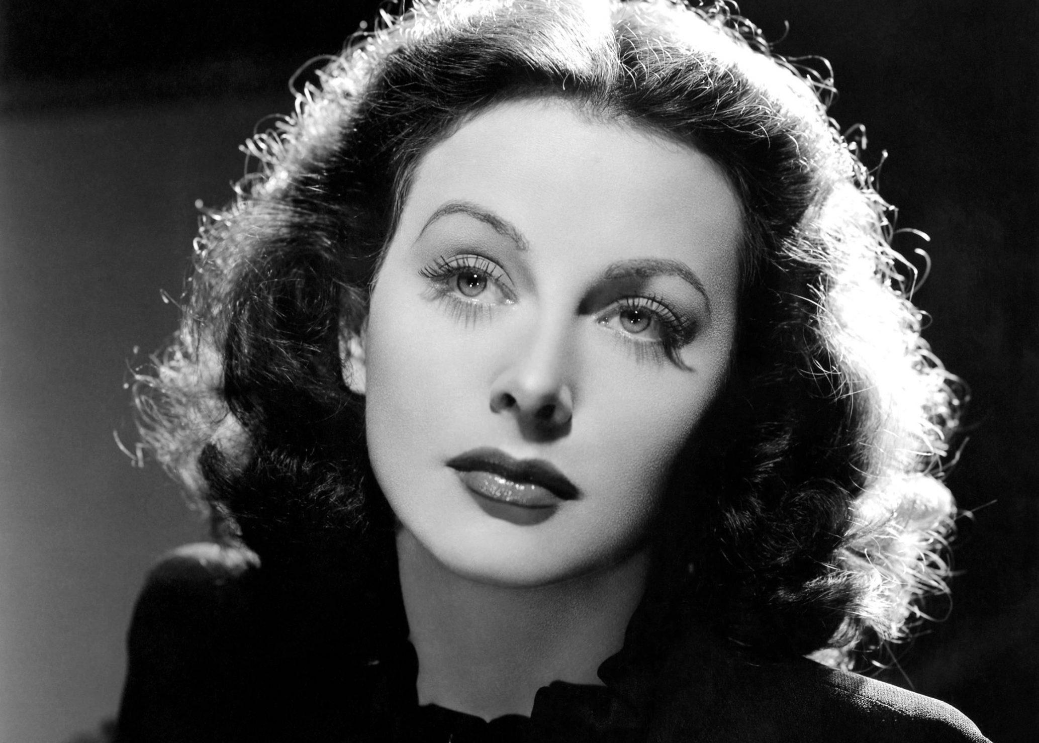Hedy Lamarr, aki két orgazmus között feltalálta a wifit