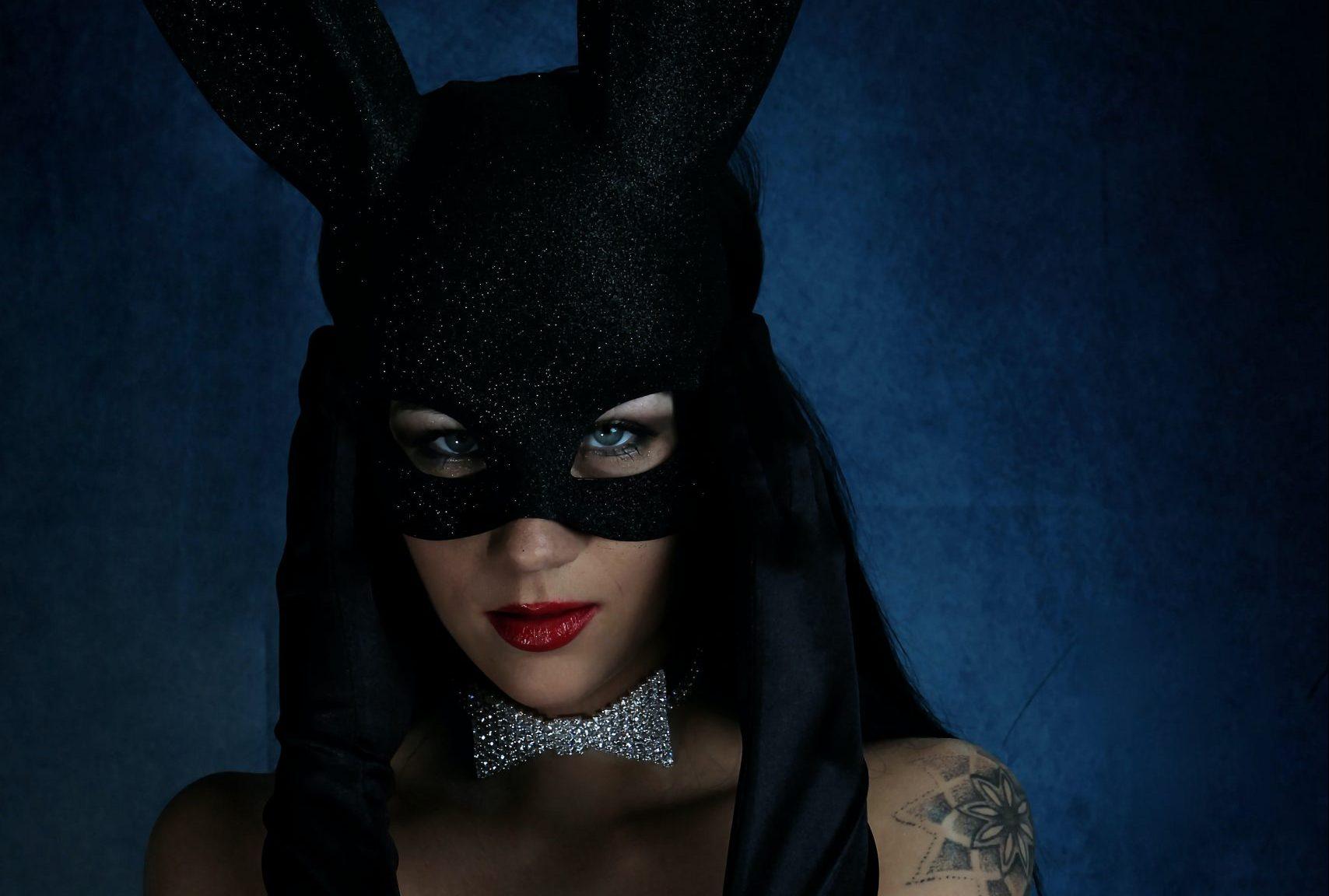 A Playboy-villa nem csak az erkölcsi mocsoktól bűzlött…